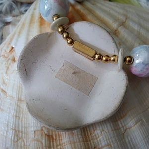 Vintage Jewelry - Shell like necklace made in Japan